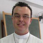 Padre Leonardo Henrique Piacente